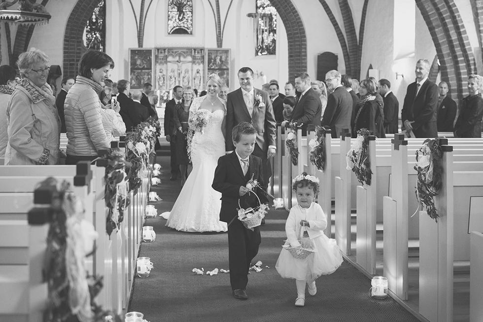 Hochzeit im Raps | Fenja Hardel | AufmDach